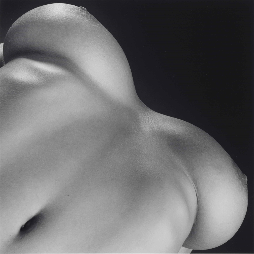 Robert Mapplethorpe-Breasts-1987