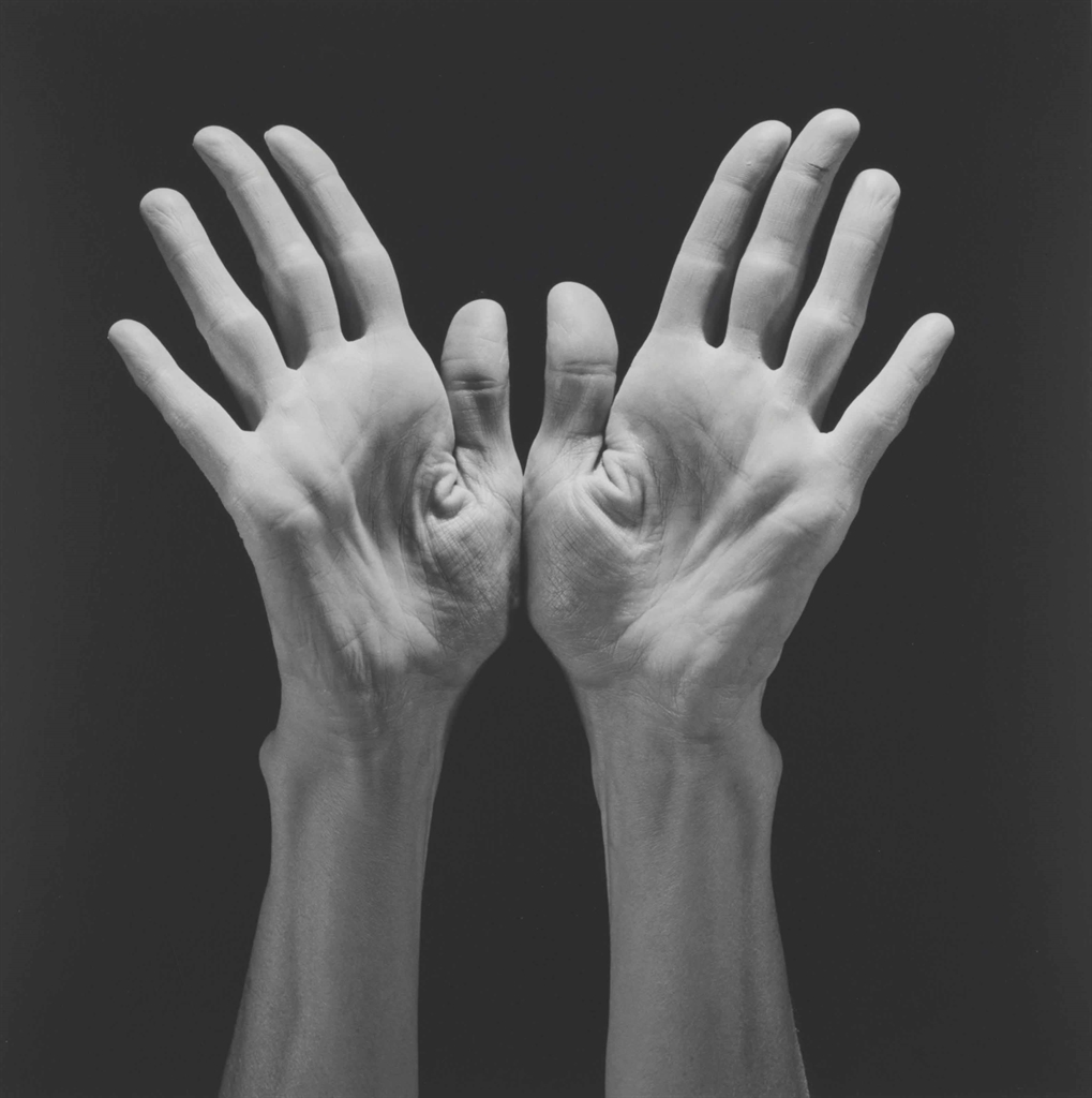 Robert Mapplethorpe-Lucinda's Hands-1985