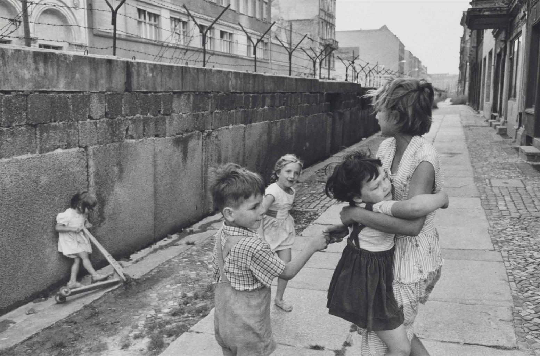 Henri Cartier-Bresson-West Berlin, the Berlin Wall-1962