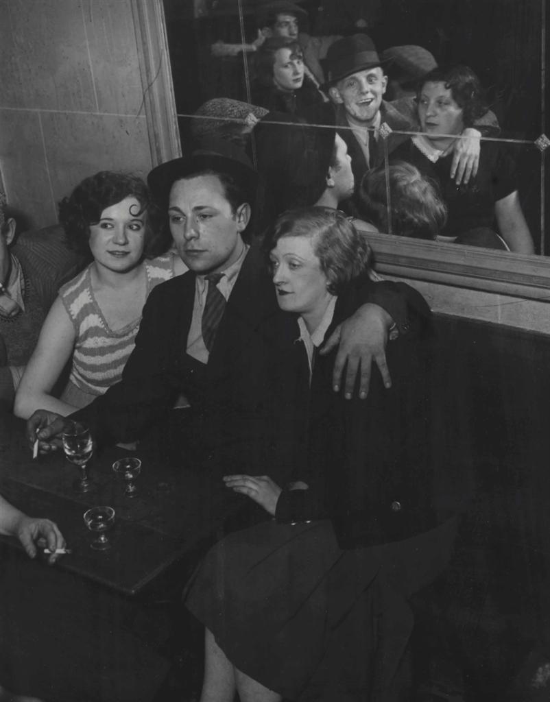 Brassai-Groupe Joyeux au Bal Musette-1932