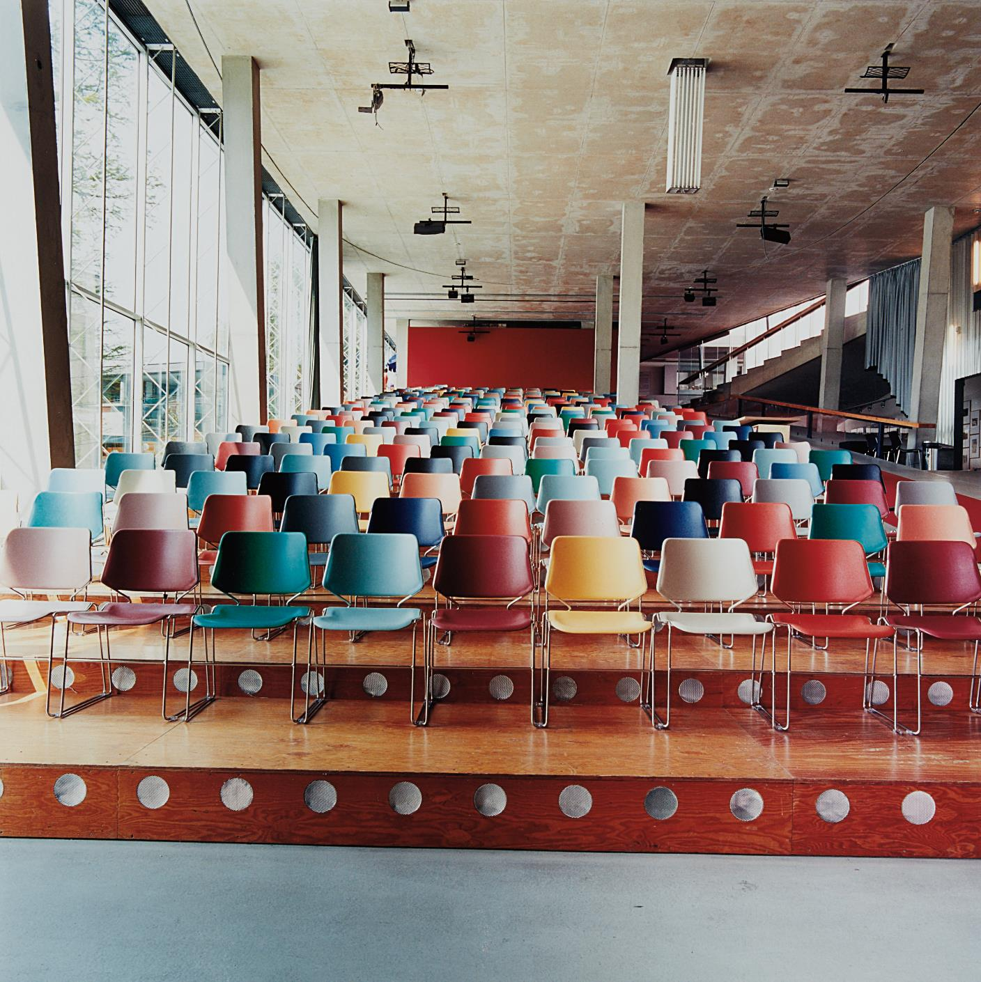 Candida Hofer-Kunsthal Rotterdam II-2000