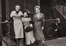 Helen Levitt-New York (Three Girls Play Dress Up)-1940