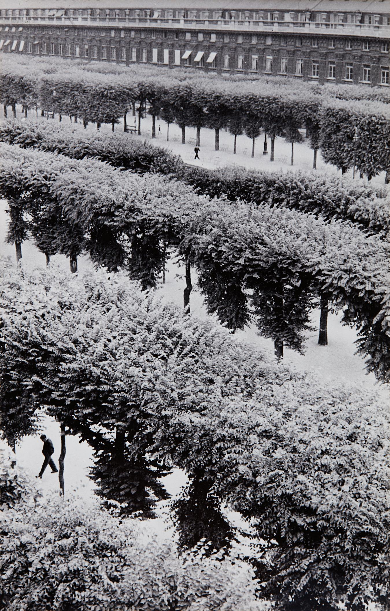 Henri Cartier-Bresson-Gardens Of The Palais Royal, Paris, France-1961