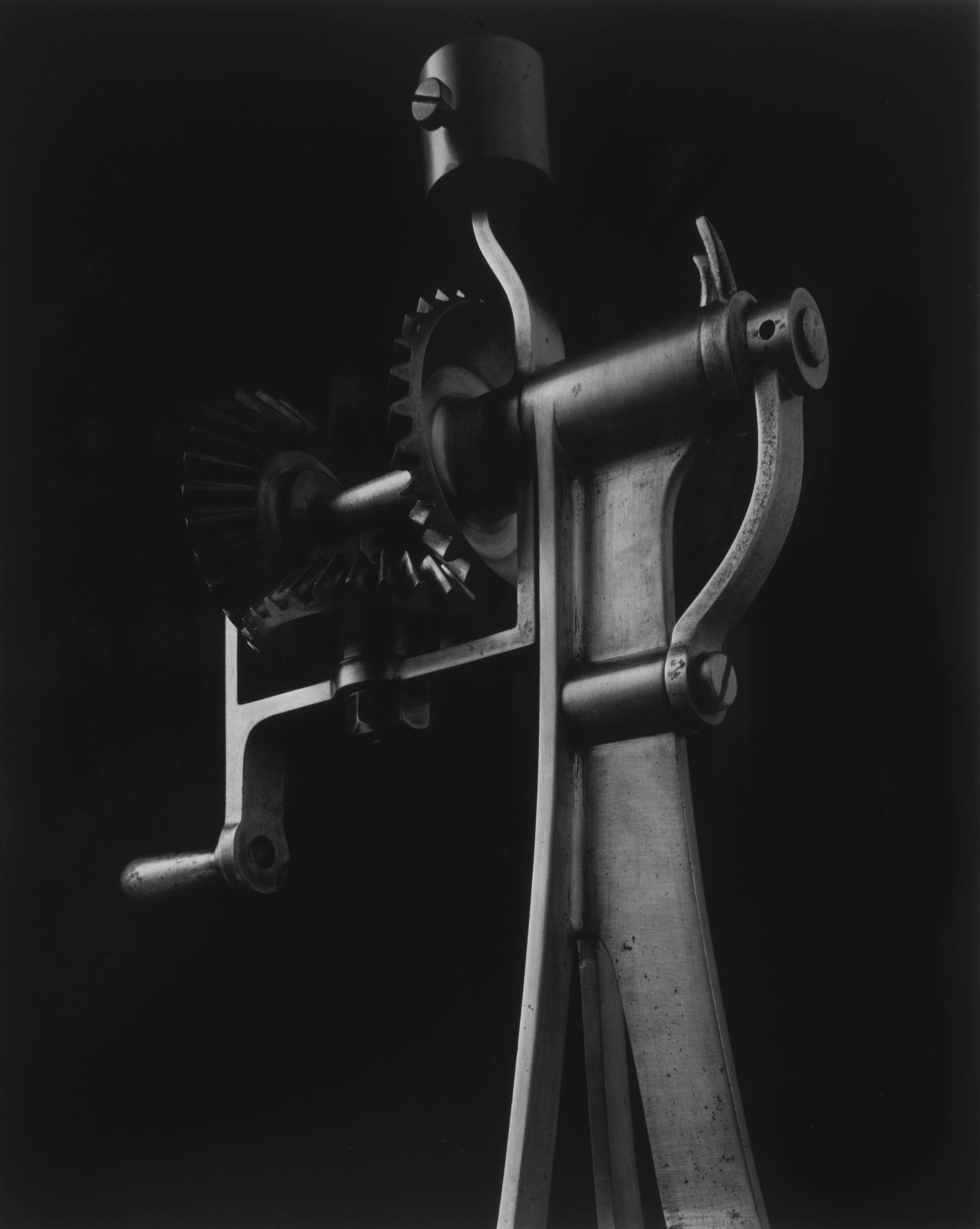 Hiroshi Sugimoto-Conceptual Forms 0033-2004