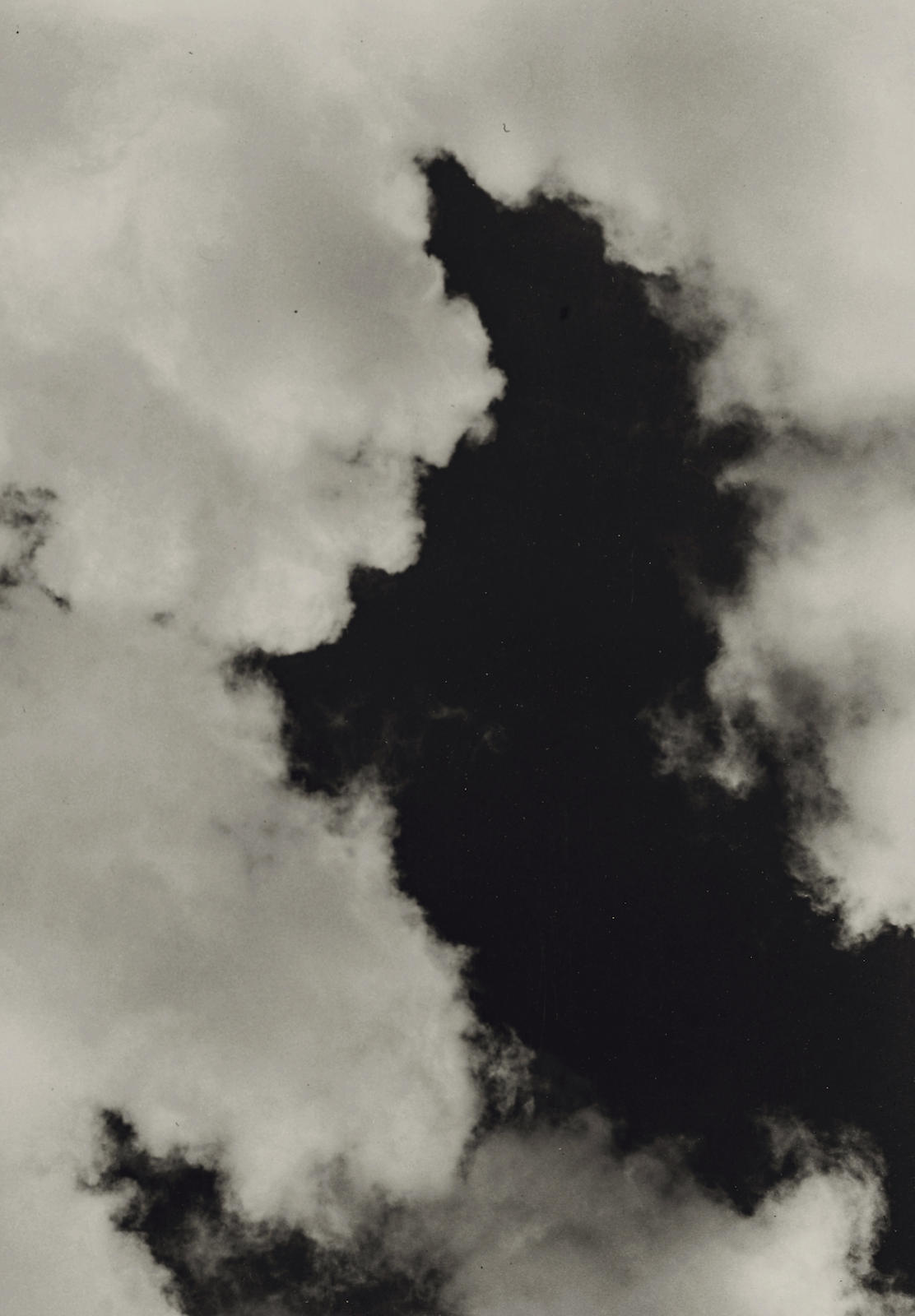 Imogen Cunningham-Cloud/Neg. No. 15-1939