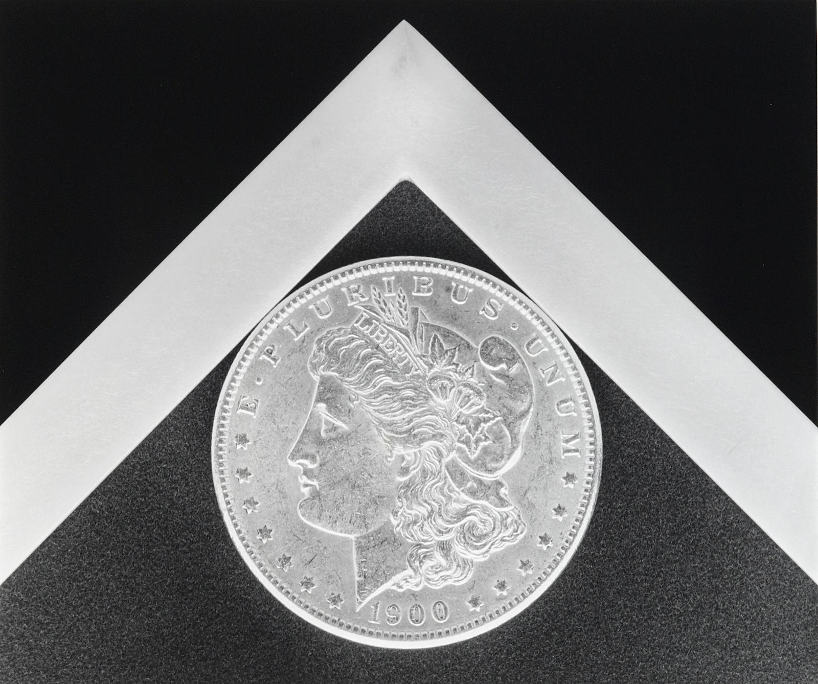 Robert Mapplethorpe-Silver Dollar-1988