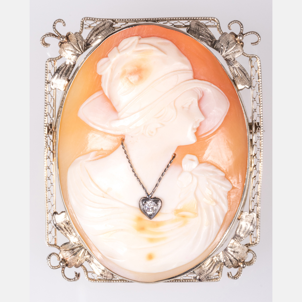 A 14kt. White Gold Shell Cameo Brooch-