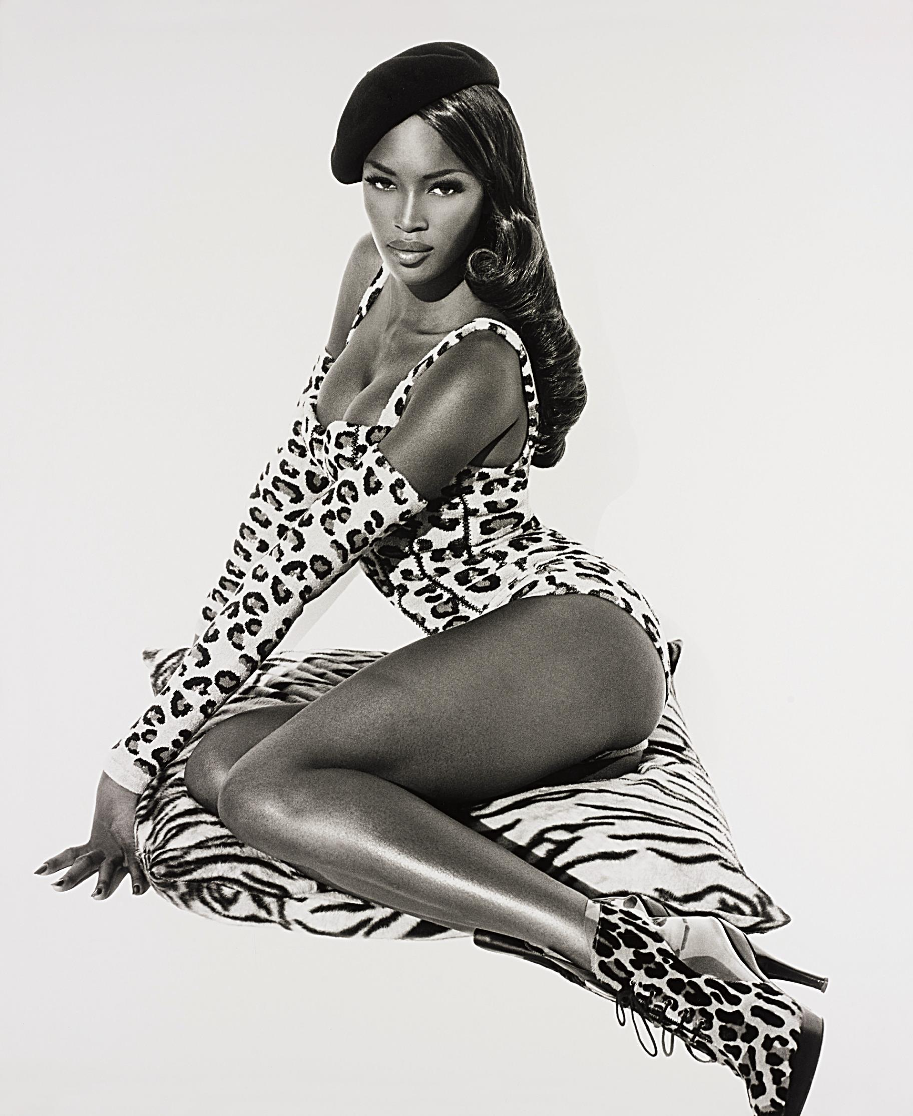 Herb Ritts-Naomi Seated, Hollywood-1991