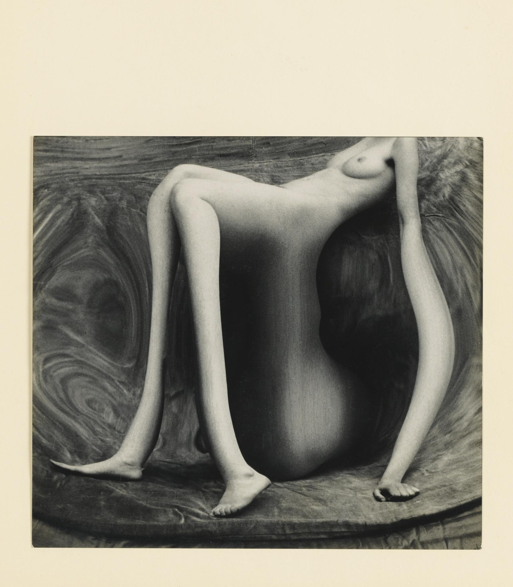 Andre Kertesz-Distortion #141-1933