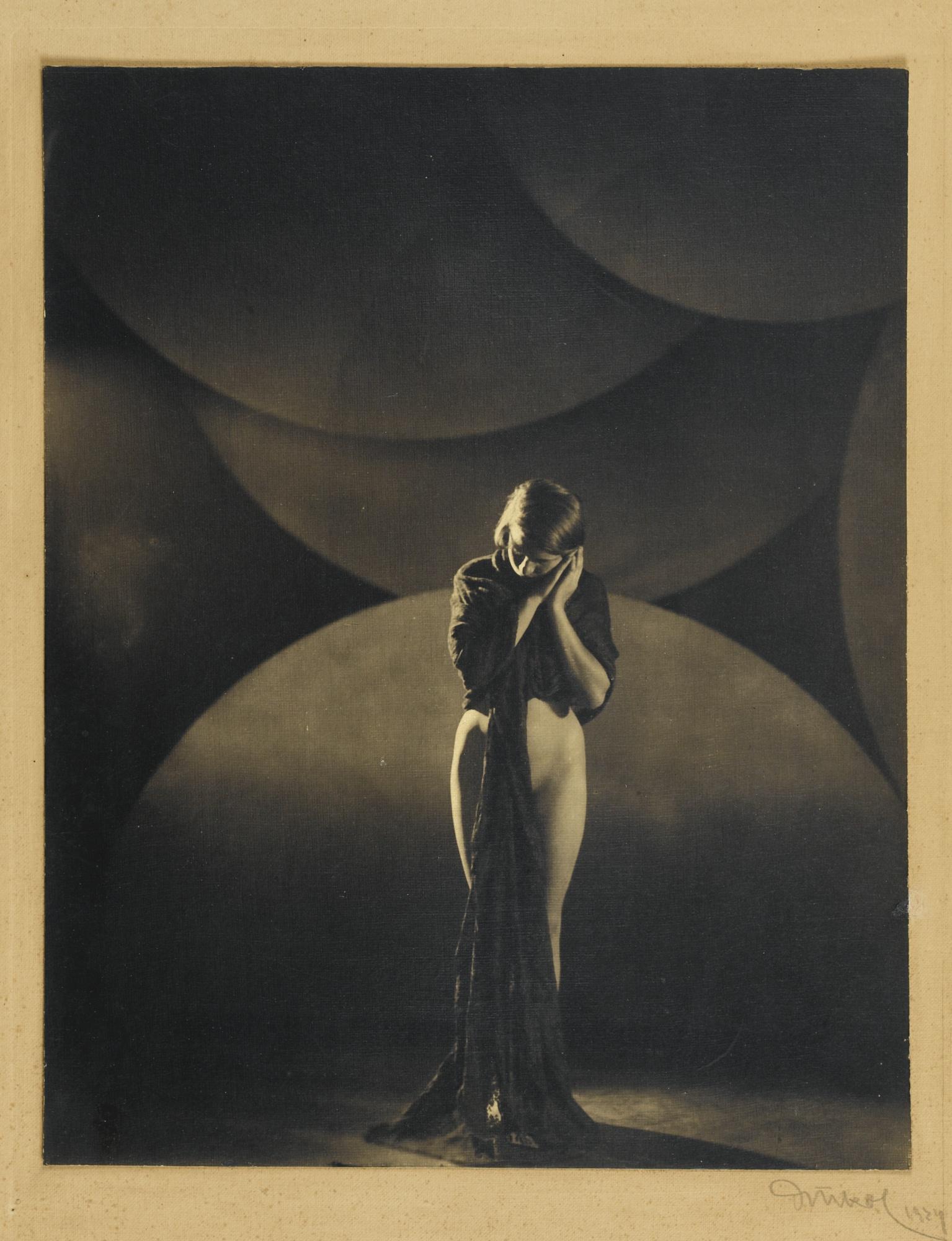 Frantisek Drtikol-La Pensee-1924