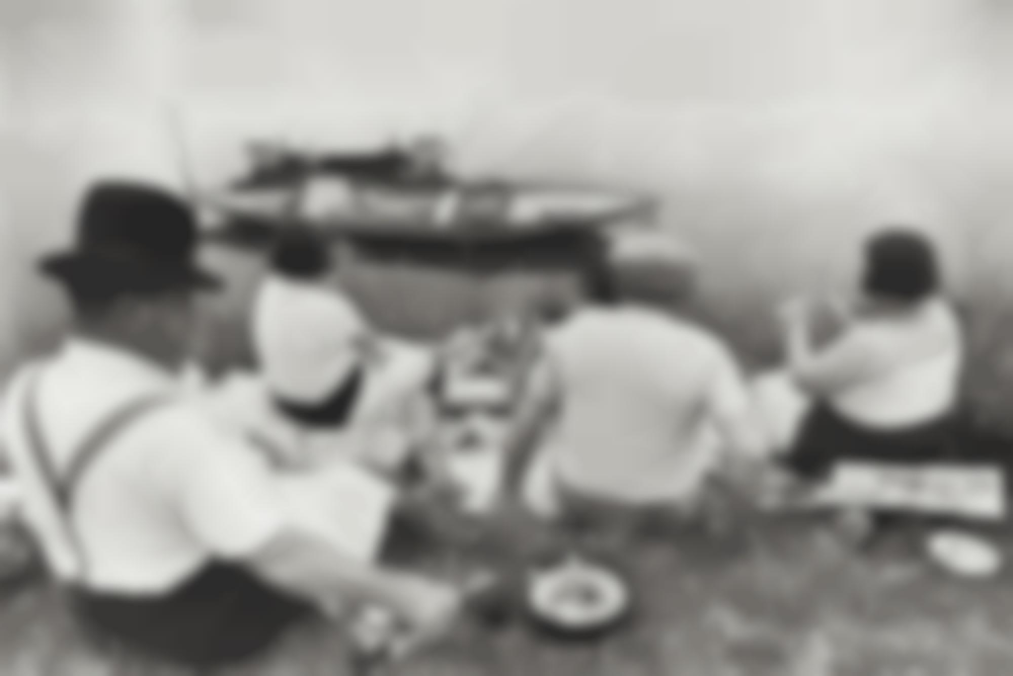 Henri Cartier-Bresson-Dimanche Sur Les Bords De Seine-1938