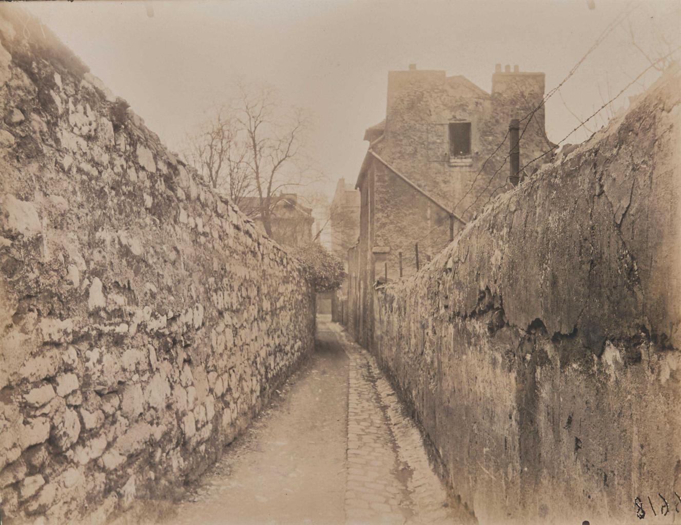 Eugene Atget-Ruelle des Reculettes, Paris-1920