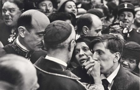 Henri Cartier-Bresson-Visite du Cardinal Pacelli, Montmartre, Paris-1938
