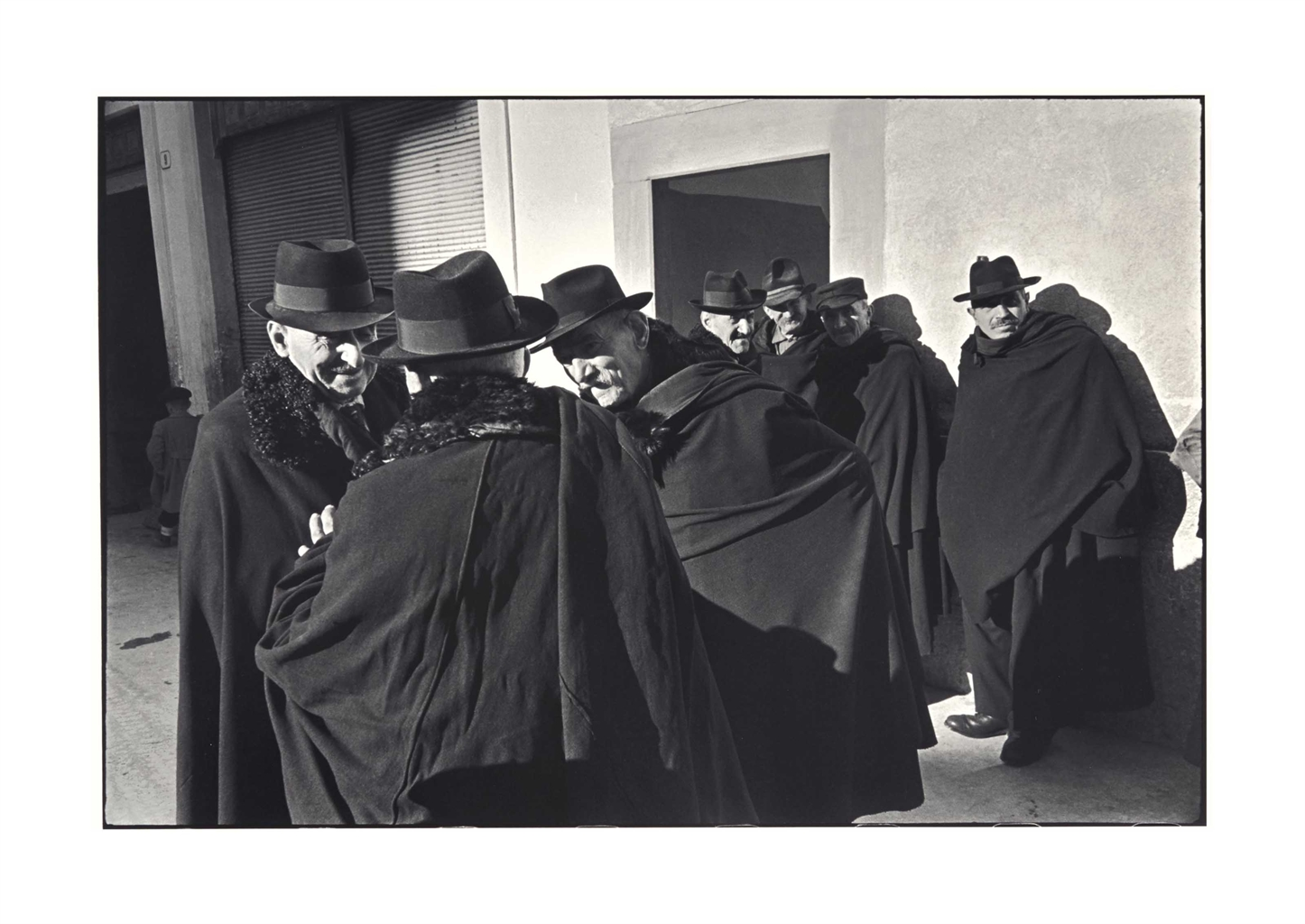 Henri Cartier-Bresson-Scanno, Abruzzo, Italie-1951
