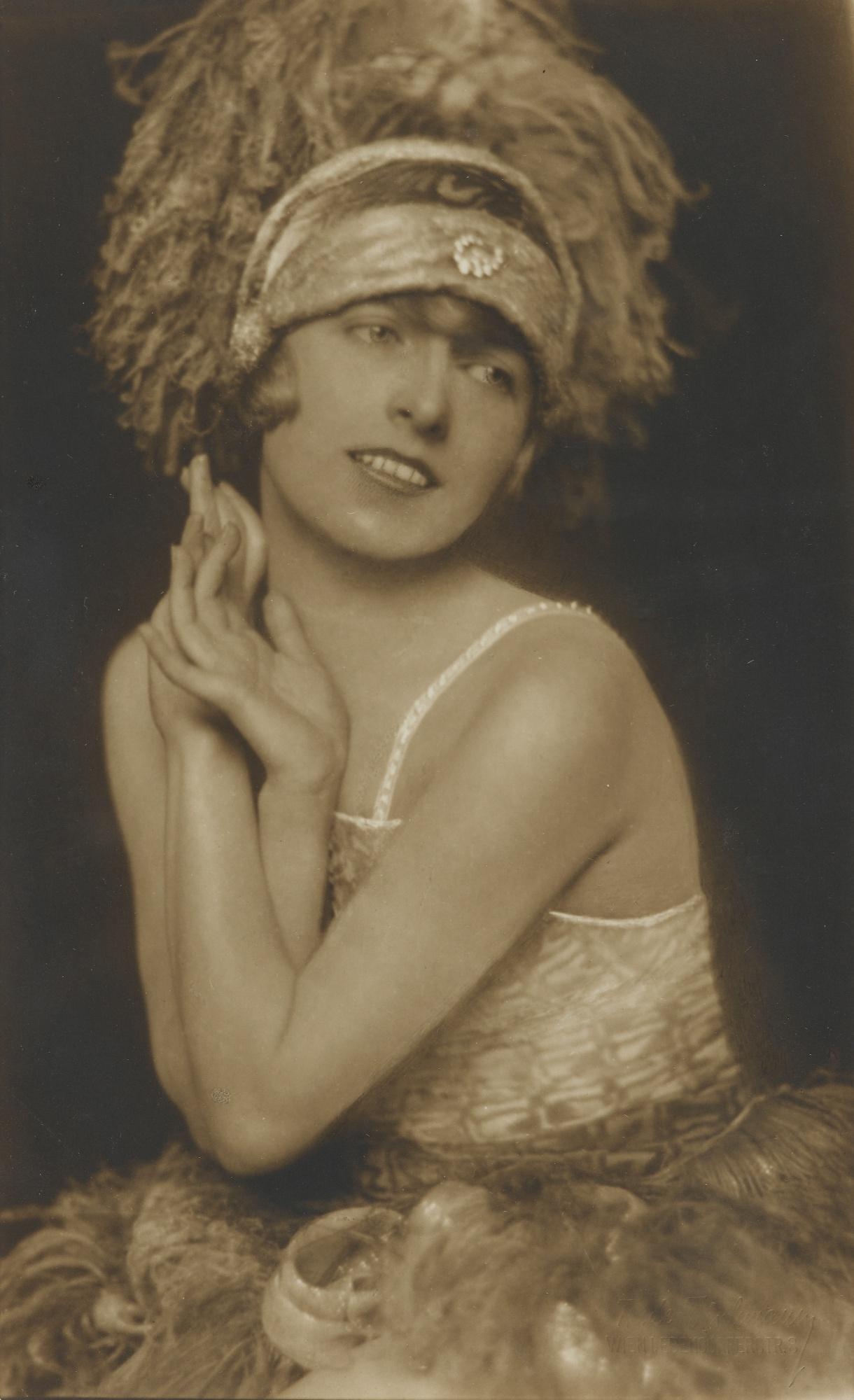 Trude Fleischmann-Dancer Valerie Kratina; Ballet Dancer; Dancer Lisl Rinaldini; Designer Mela Kohler-1926