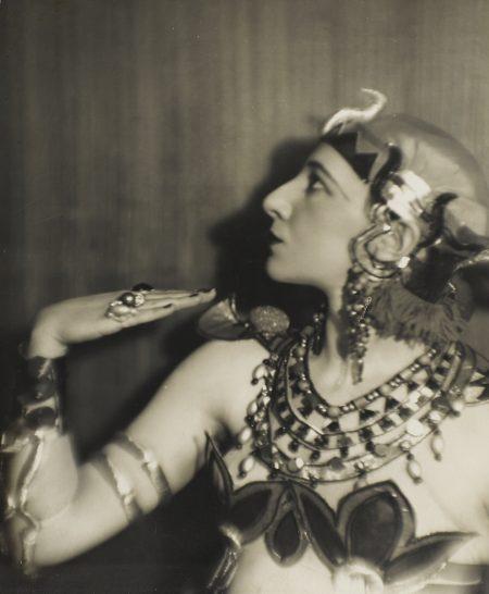 Germaine Krull-Scene De Bal Miss Berthe Krull Portrait Nature Morte Costume Vers-1925