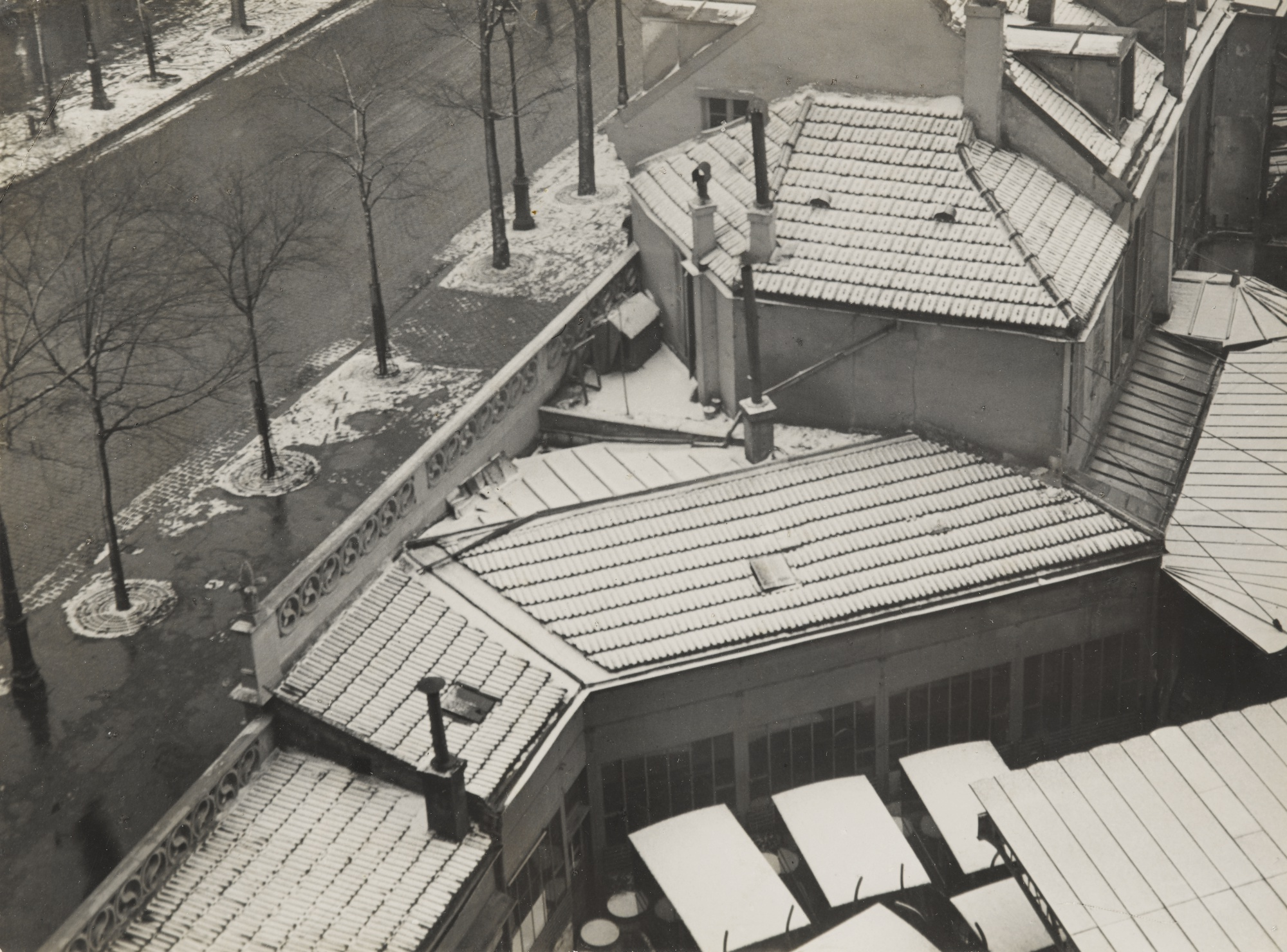 Andre Kertesz-Rue Froidevaux Paris-1926