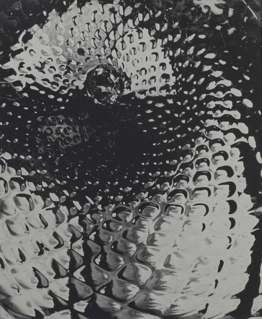 Raoul Ubac-La boule aux milles gouttes-1938