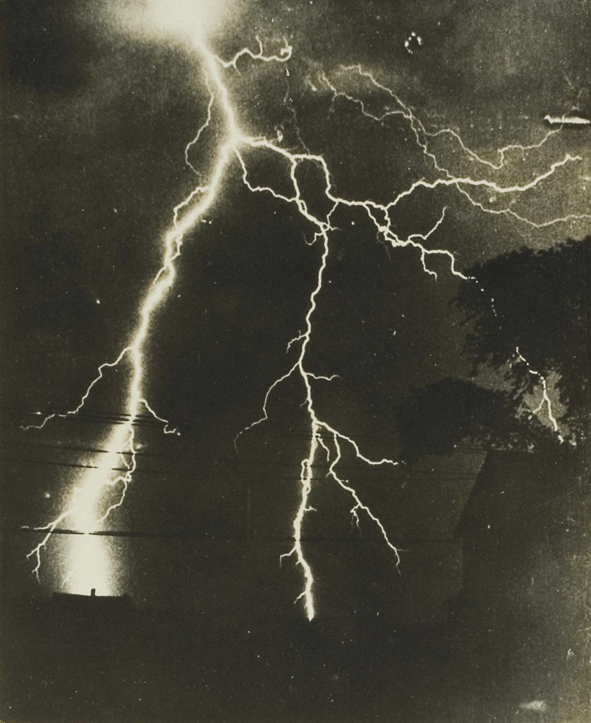 Wide World Photos - Eblouissement, 'Un formidable orage cause 100,000 dollars de degats dans la region de Boston'-1936