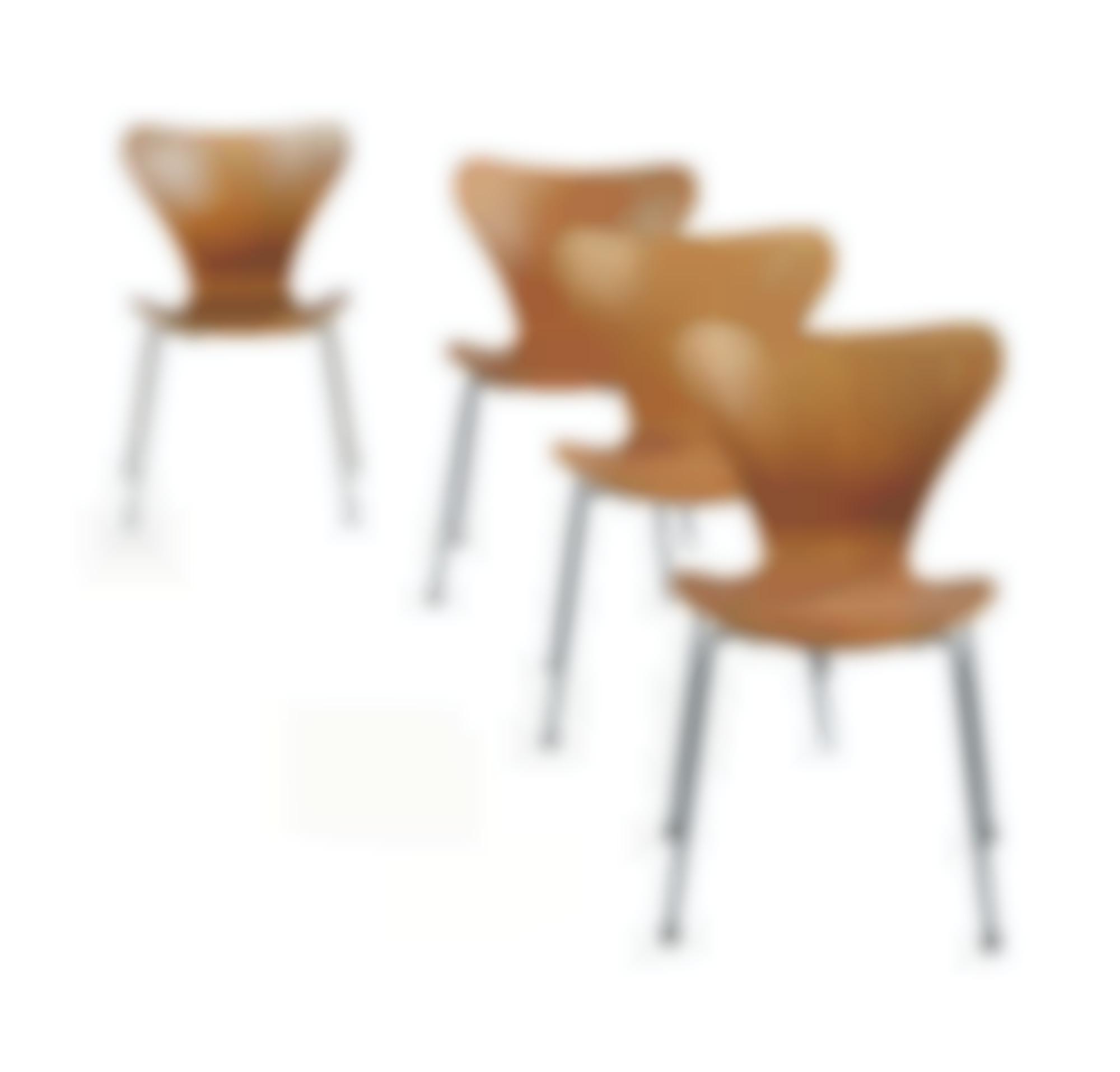 Arne Jacobsen - Quatre Chaises Modele 3107-1955