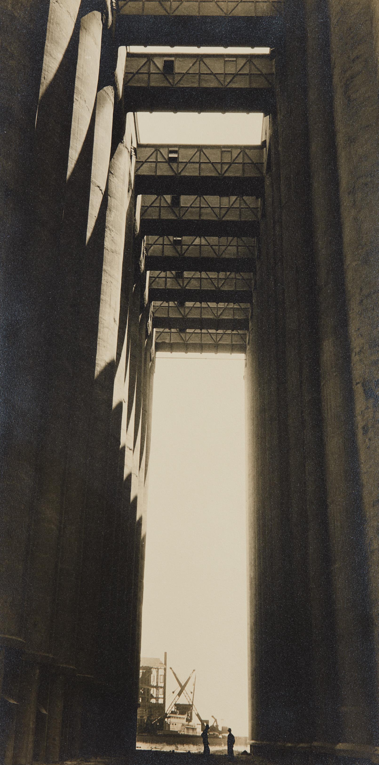 Margaret Bourke-White-Rosenbaum Grain Elevators, Chicago, IL. (Our 'temple view')-1935