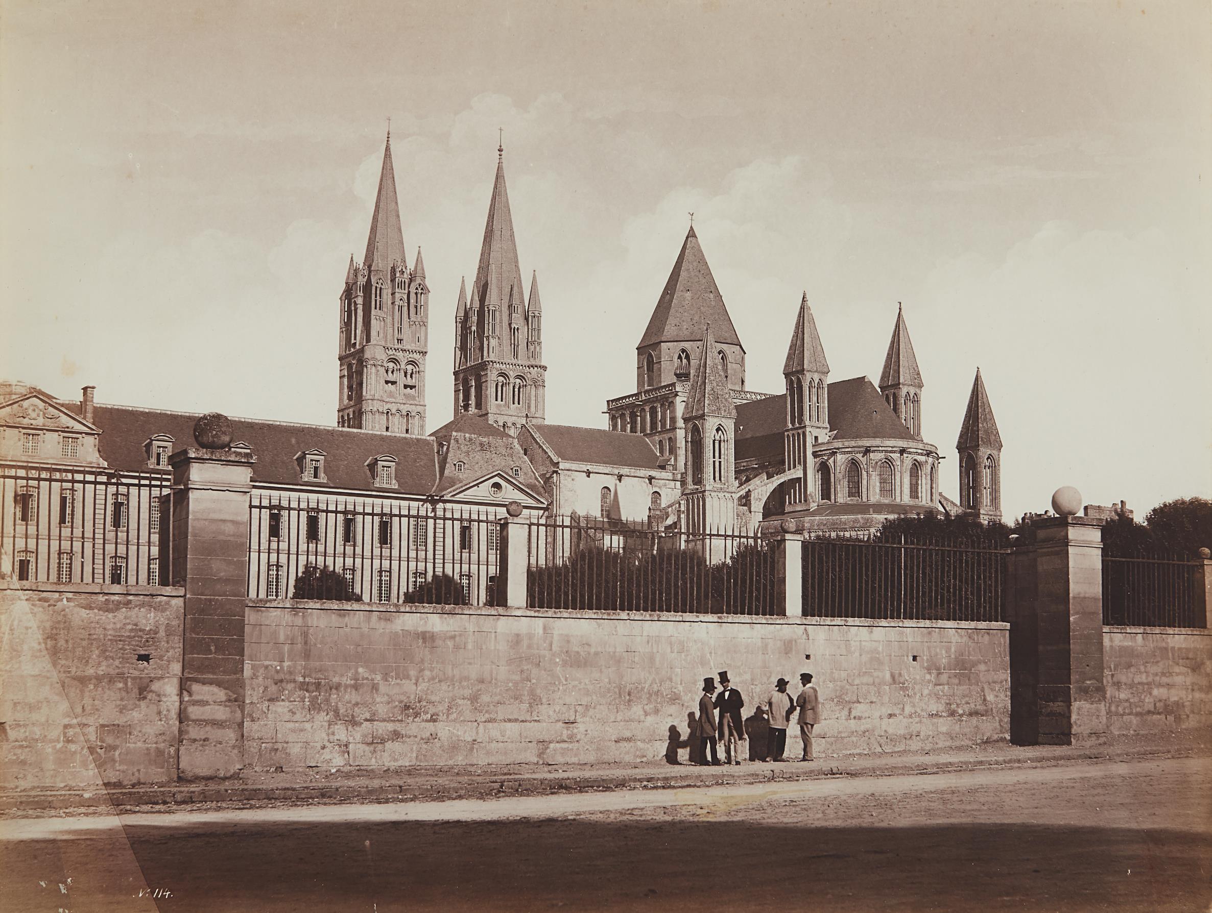 Edouard Baldus-Eglise Saint-Etienne de Caen, derriere le mur-1855