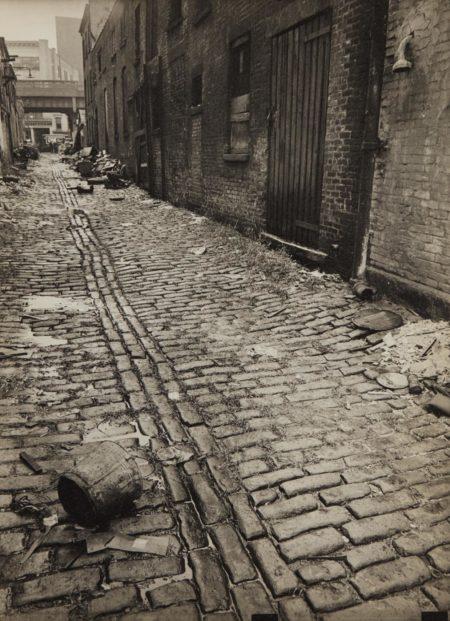Berenice Abbott-Charles Lane, Between West and Washington Streets, Manhattan-1938