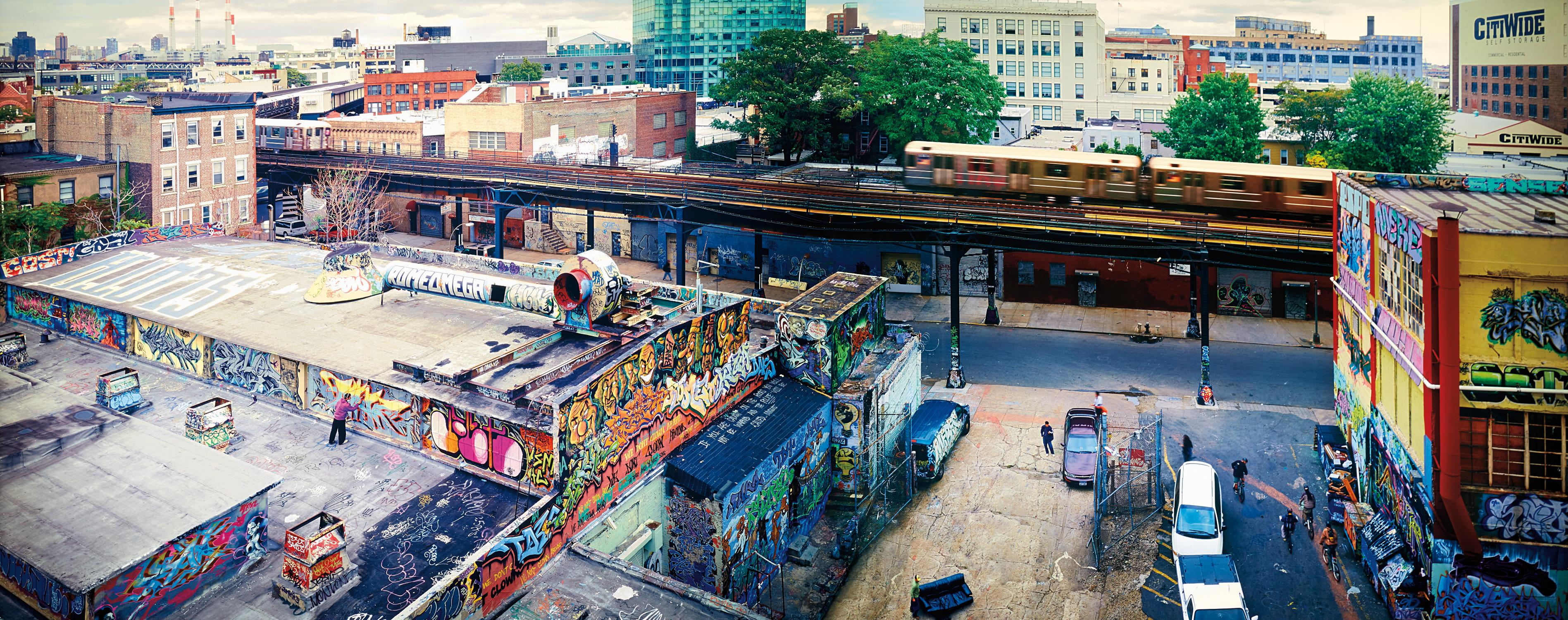 Jeff Chien-Hsing Liao-5 Pointz, Long Island City from Habitat 7-2004