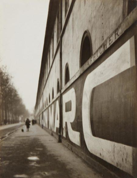 Andre Kertesz-Boulevard des Invalides, Paris-1926