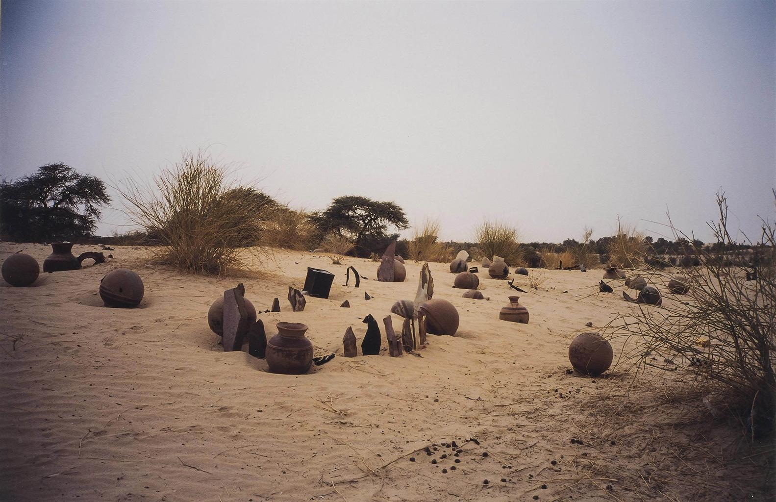 Gabriel Orozco-Cementerio #6 (Cemetery #6)-2002