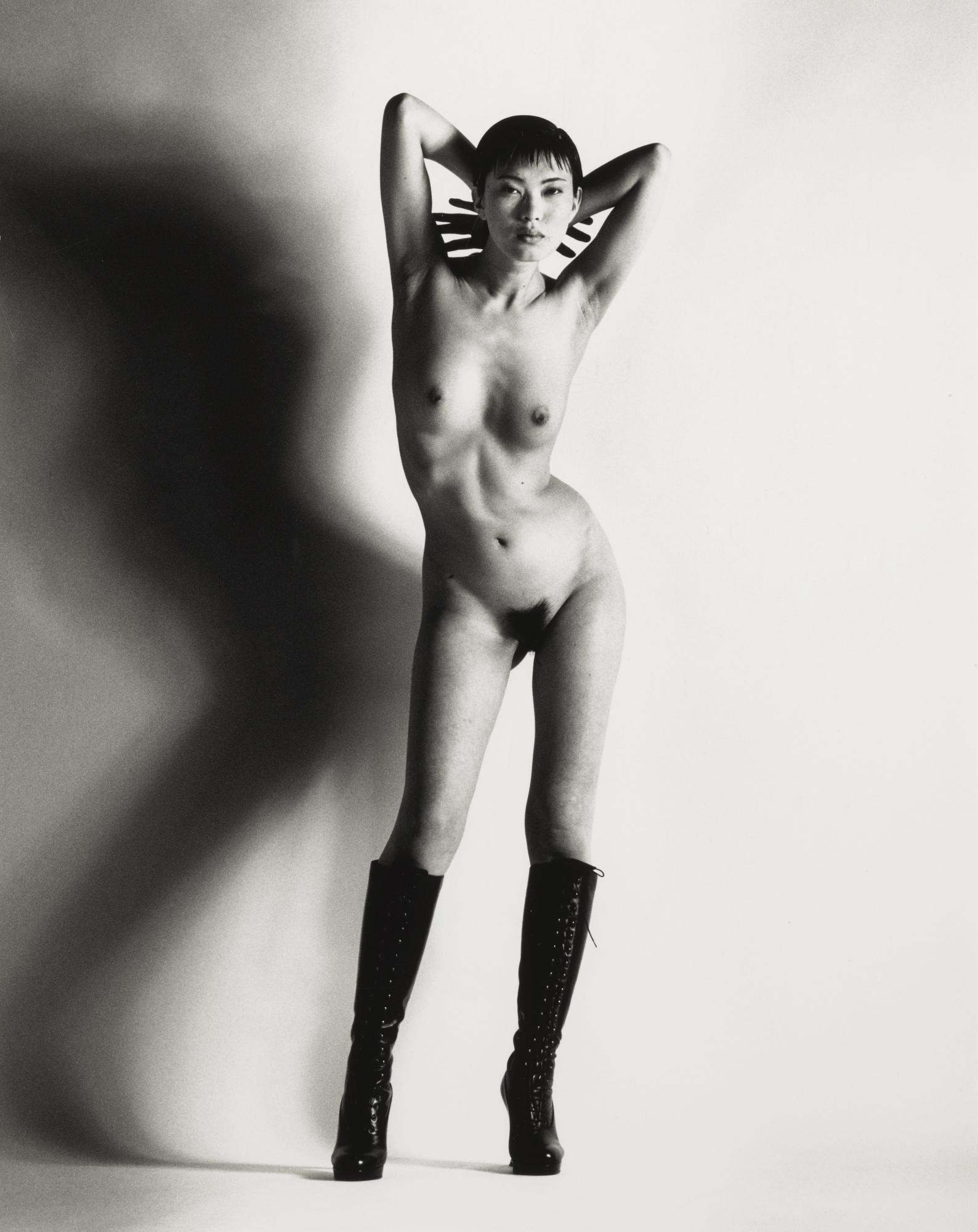 Helmut Newton-Big Nude Yuko-1993