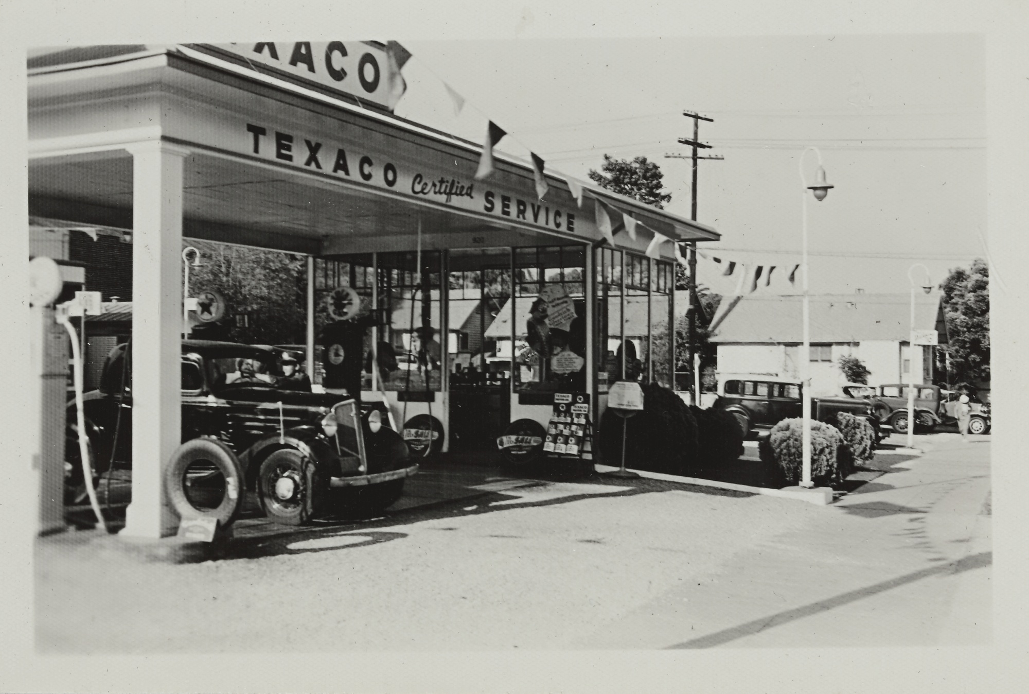 Various Photographers - Texaco Gas Stations And Products, Southern California-1935