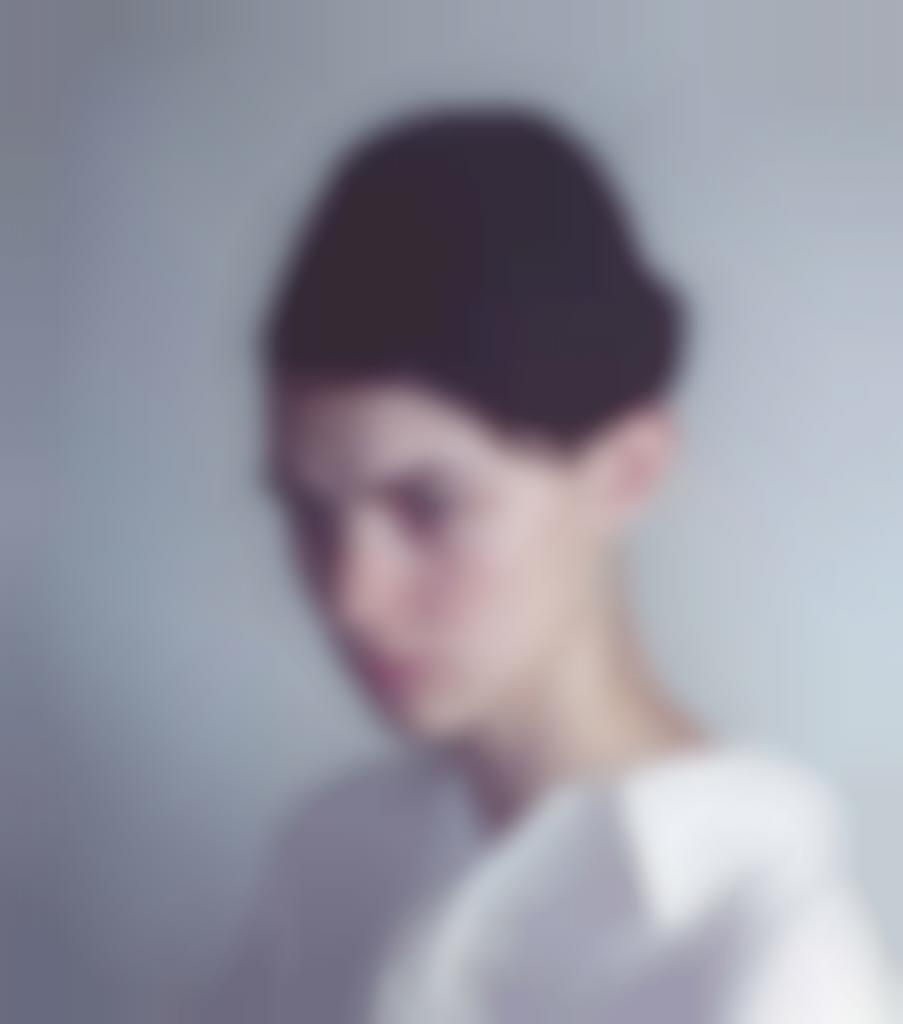 Richard Learoyd-Fragment (Harmony In White)-2012
