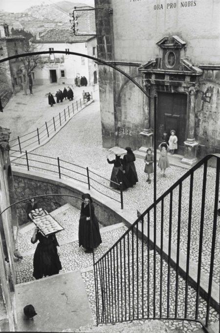 Henri Cartier-Bresson-Laquila, Abruzzo, Italy-1951