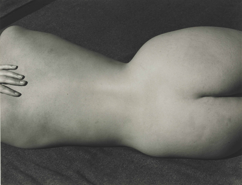 Edward Weston-Nude-1935