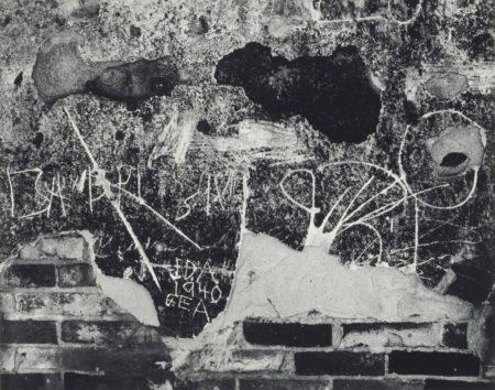 Edward Weston-Wall Scrawls, Hornitos-1940