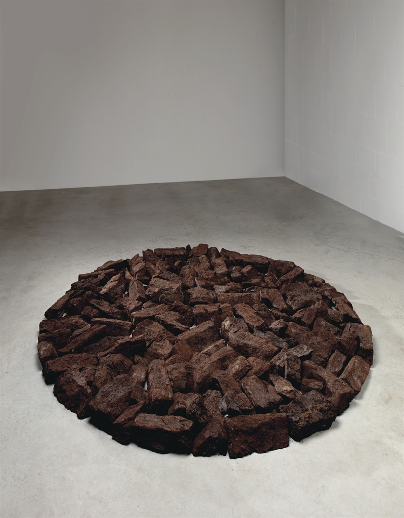 Richard Long-Small Turf Circle-1990