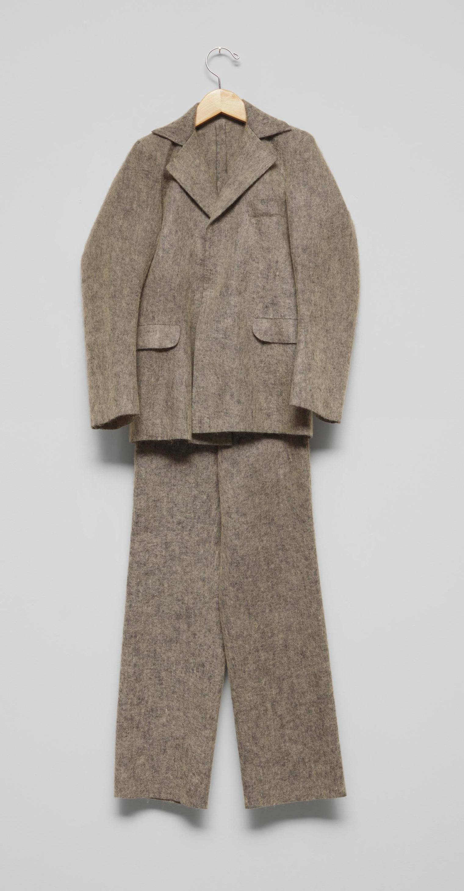 Maurizio Cattelan-Untitled (Joseph Beuys Suit)-2000
