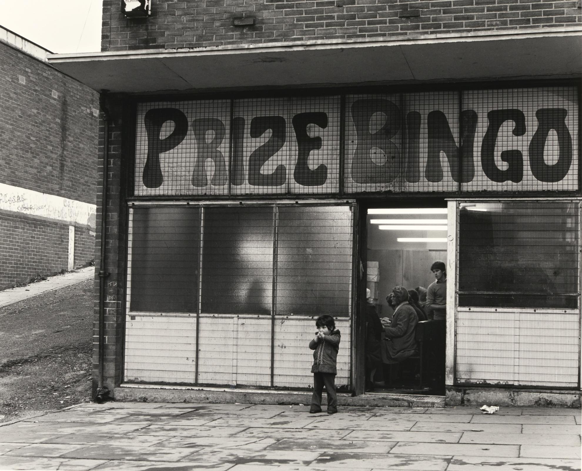 Chris Killip-Bingo, West-End, Newcastle-1975