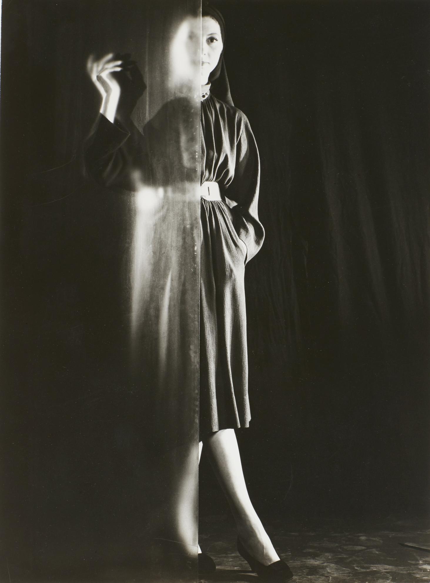 Erwin Blumenfeld-Untitled-1947