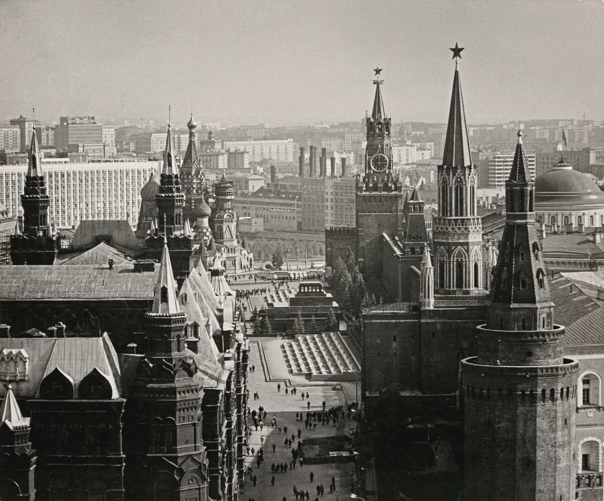 Dmitri Baltermants - Red Square-1960