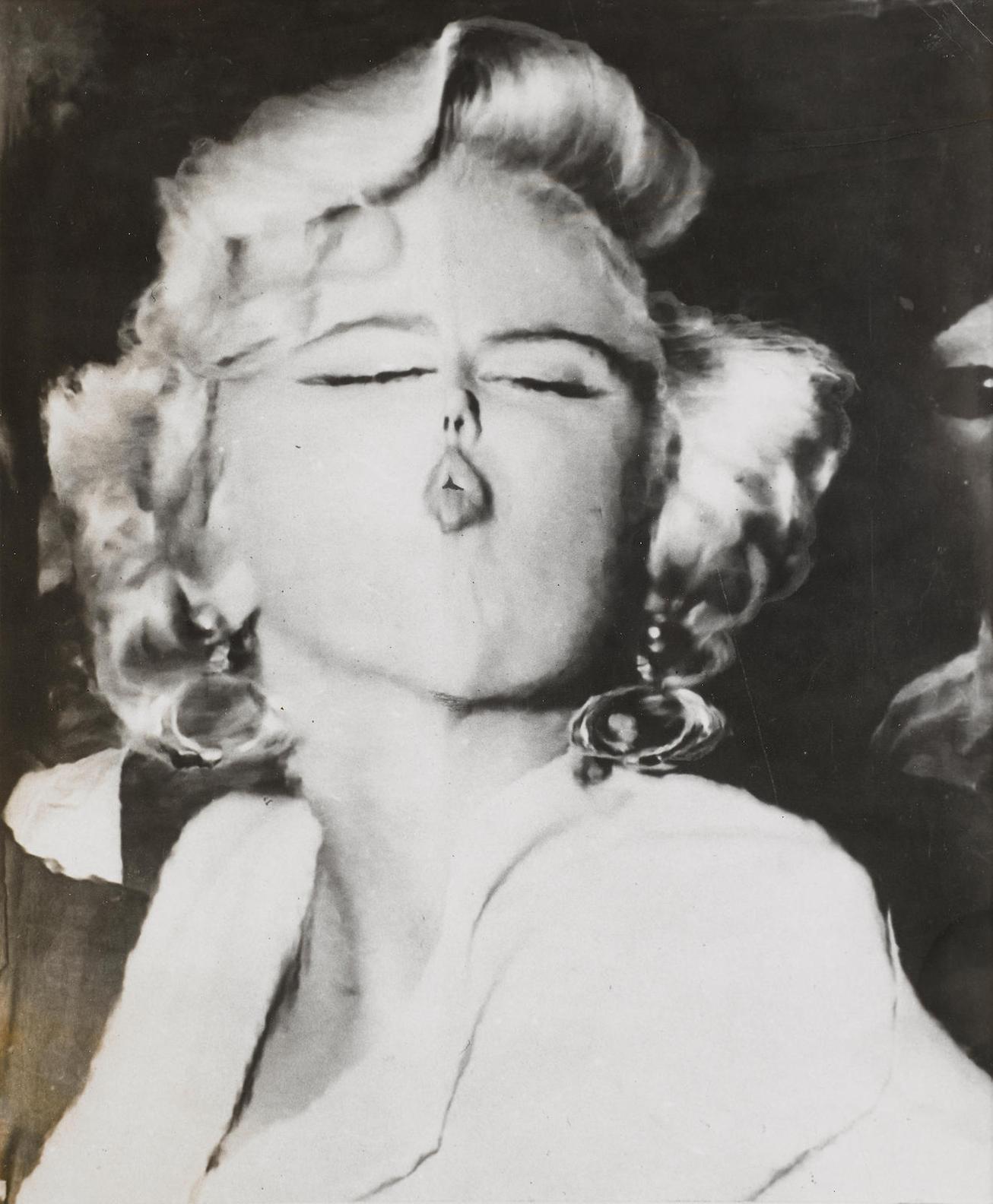Weegee-Marilyn, Distortion-1953