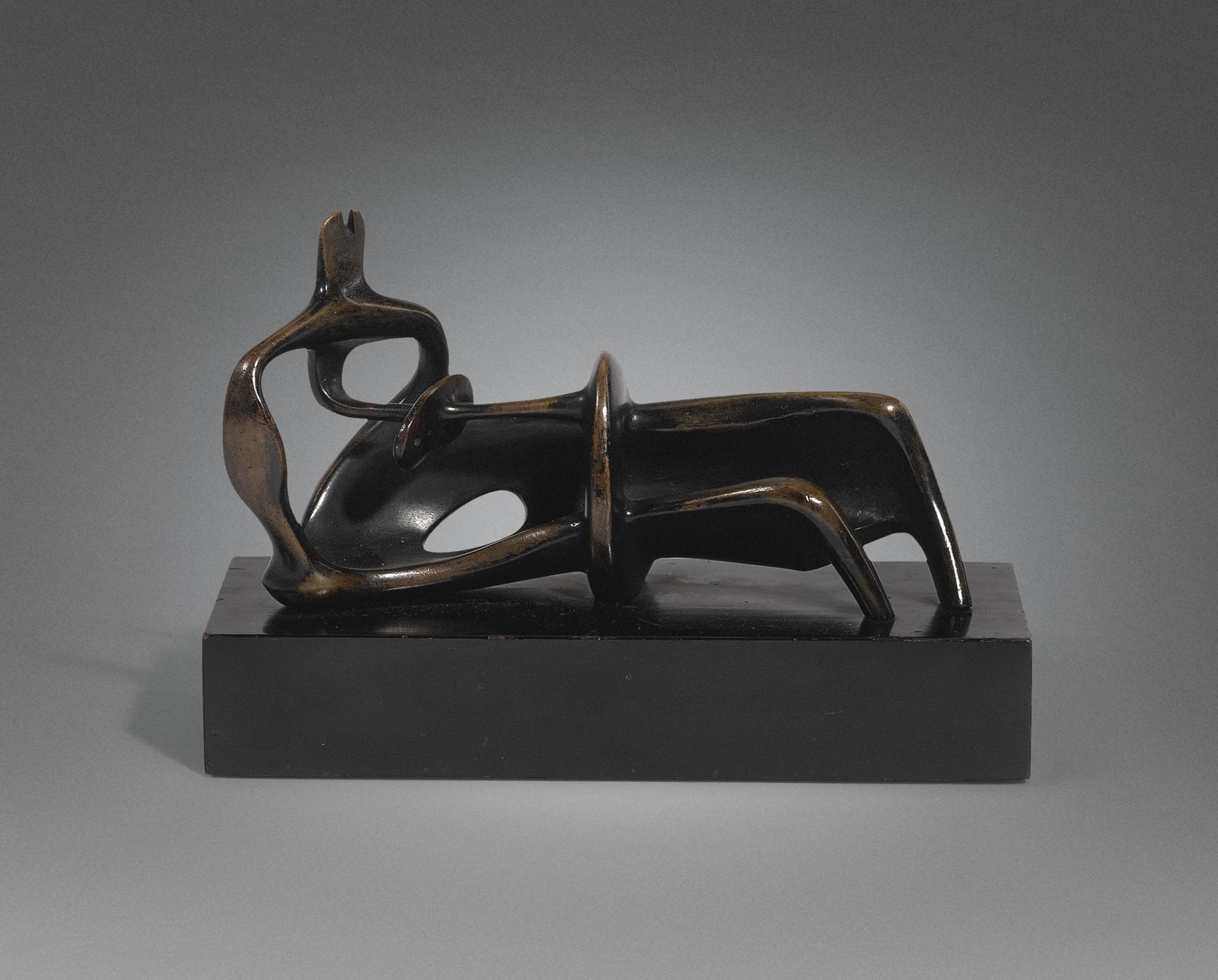Henry Moore-Reclining Figure-1959