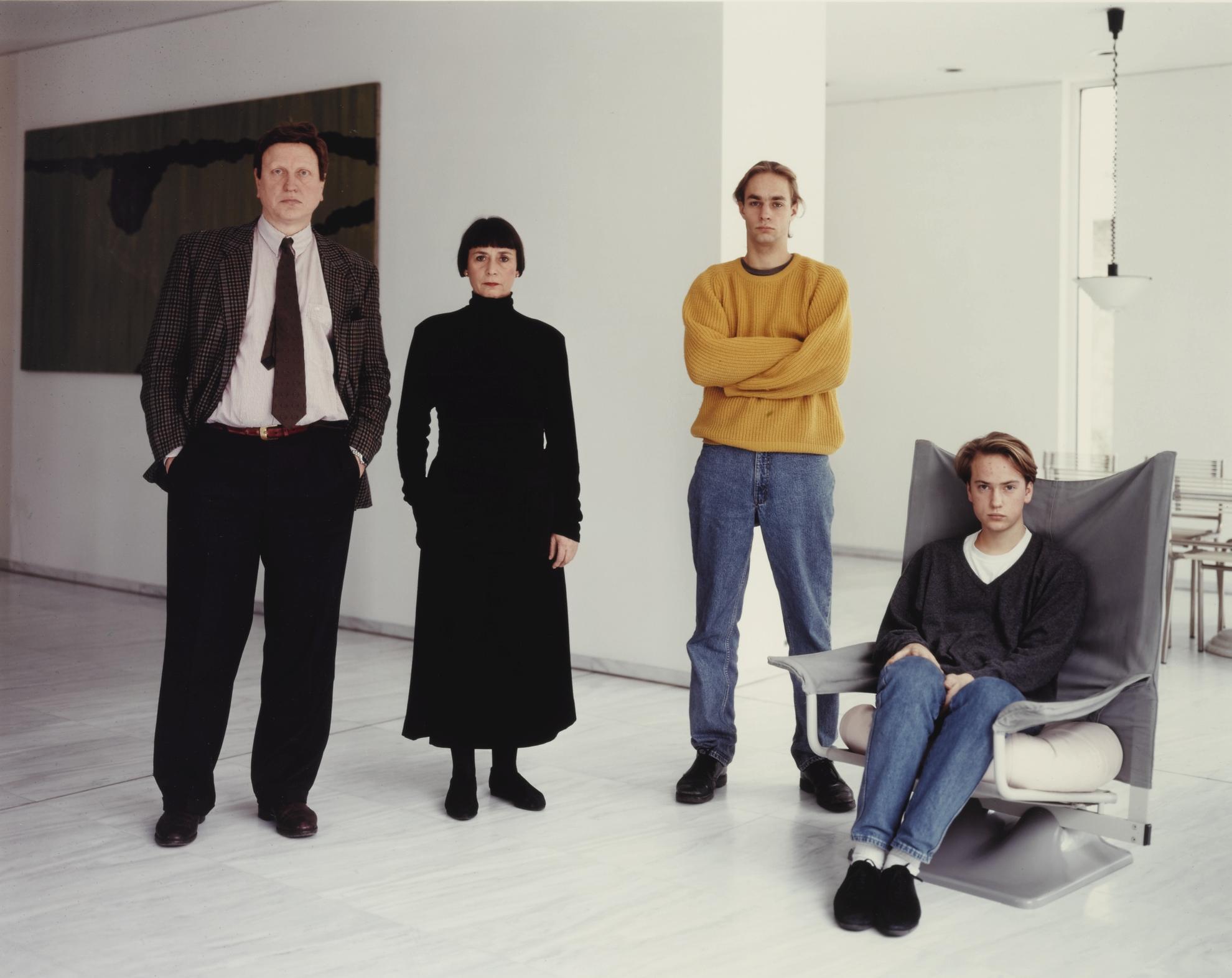 Thomas Struth-The Schafer Family, Dusseldorf-1990