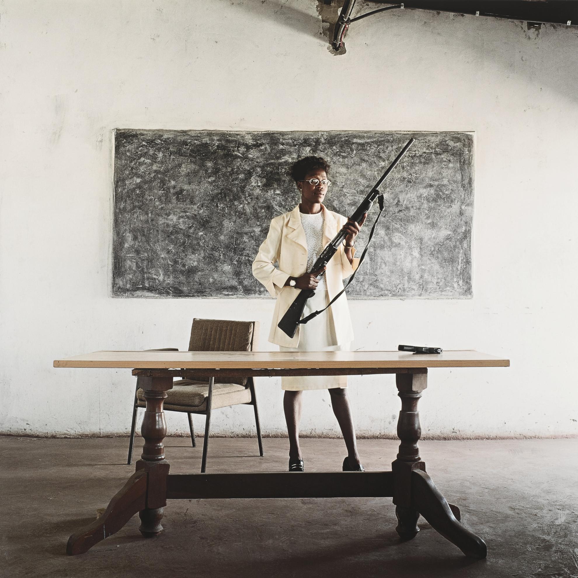 Mikhael Subotzky-Lindiwe Mutoma (Female Detective), Lusaka, Zambia-2005