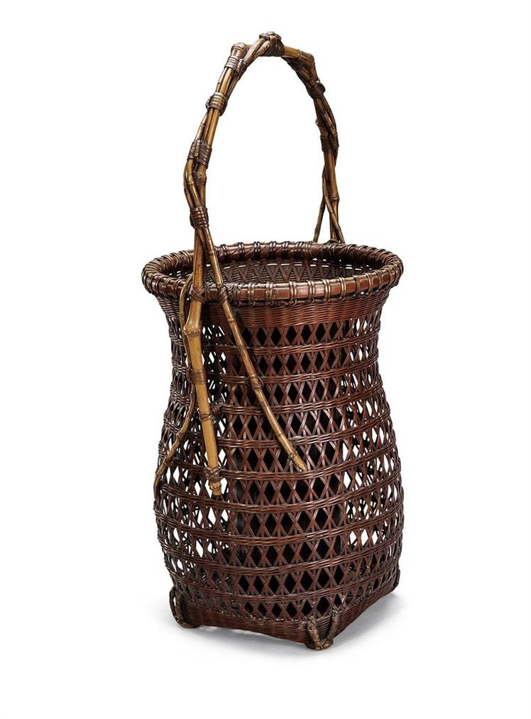 A Japanese Bamboo Handwoven 'Yaofeng' Flower Vase-