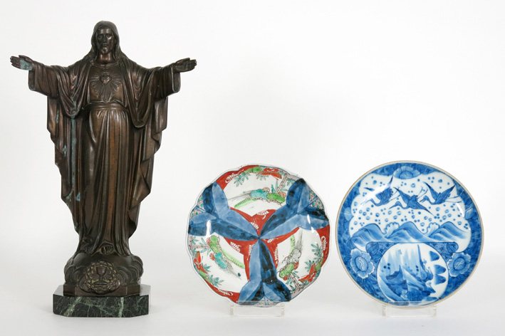 Two antique Japanese plates in porcelain and a 'Christ' in zamac on marble base-