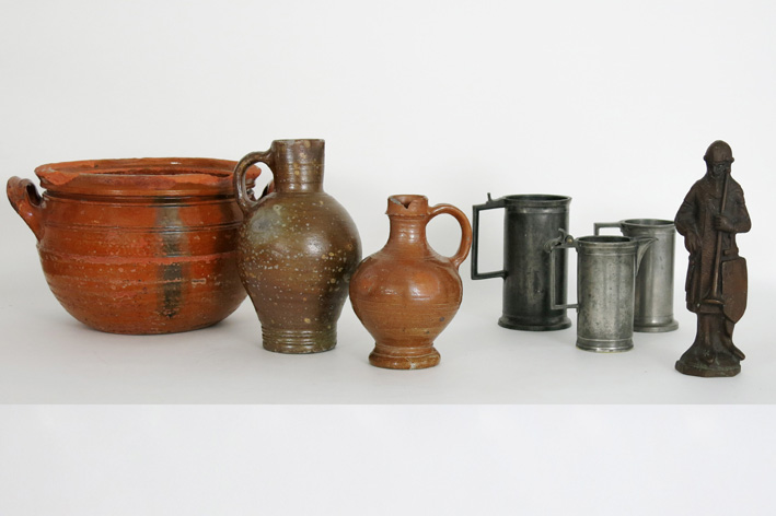 Several items in pewter, earthenware and bronze-