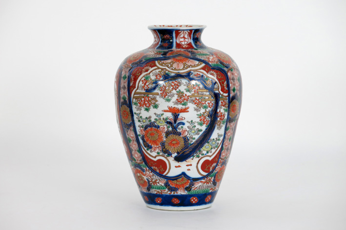 19th Cent. Japanese vase in porcelain-