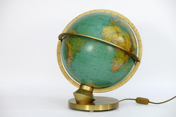 Seventies' globe with light-